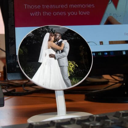Desk-O Wireless Charger - Wedding
